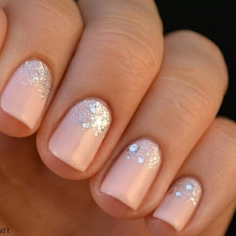 This short manicure with a sparkle gradient is a sweet option for any bride.